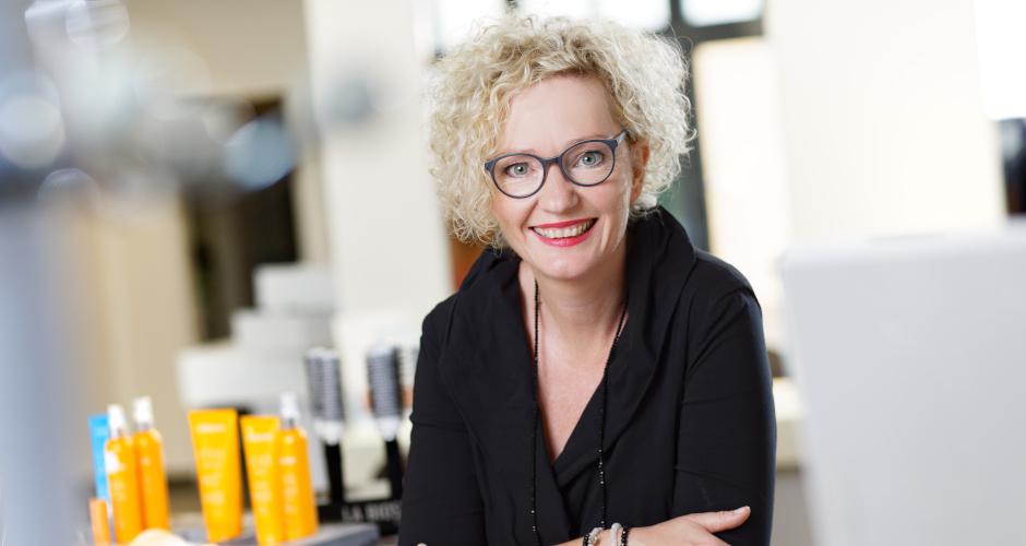 Friseur Niederkrüchten Nicole Cross